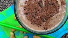 Dessert for breakfast? This dairy-free Chocolate Peanut Butter Shake makes a great dessert, but an even better plant-based breakfast. It's rich, creamy, savory and sweet! Caramel Chocolate Chip Cookies, Salted Caramel Chocolate, Chocolate Peanuts, Chocolate Peanut Butter, Plant Based Diet Meals, Plant Based Eating, Plant Based Recipes, Peanut Butter Shake, Natural Peanut Butter