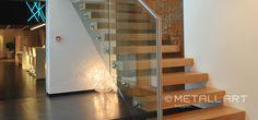 Kragarmtreppe mit Glasgeländer | MetallArt Metallbau Schmid GmbH