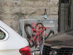 Street Art of North: Kävelen surullista noitavainojen eli naisvihan katua Tjärhovsgatan