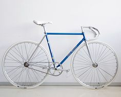 gorgeous, simple fixed. #bike