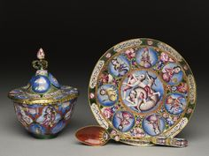 Lidded bowl with astrological decoration - Iran (place of creation) - Date: early 19th century - Qajar Period (1779 - 1925) Artist/maker: Baqir (active early 19th century) (enameller) - Associated people Fath 'Ali Shah Qajar, King of Iran (ruled 1797 - 1834) (named on object) - Material and technique: gold, enamelled - Ashmolean Museum, University of Oxford Accession no. EA2009.2