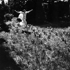 running through fields of flowers! Toni Frissell