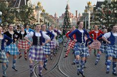 an amazing sight!  #highlanddancers from around the world parade down #DisneylandParis Main Street USA