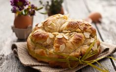 Culinary with me - Homemade food, style & photography Easter Bread Recipe, Greek Dishes, Easter Traditions, Dessert Buffet, Easter Dinner, Pastry Recipes, Easter Treats, Recipe Today, Greek Recipes