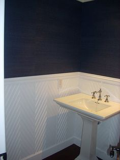 chevron pattern wainscot wall treatment with navy blue grasscloth to bring in a textural element and accentuate the crispness of the millwork design Home Design, Design Ideas, Wall Trim, Interior Decorating, Interior Design, Hallway Decorating, Interior Architecture, Gras, Wall Treatments