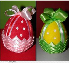 Stylowi.pl - Odkrywaj, kolekcjonuj, kupuj Easter Projects, Easter Crafts, Holiday Ornaments, Christmas Bulbs, Folded Fabric Ornaments, Fabric Balls, Easter Table Settings, Plastic Flowers, Star Ornament
