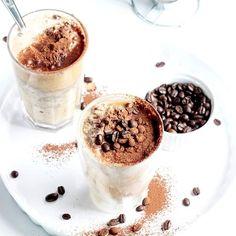 #mrozonakawa☕ w tak upalny dzień? Idealny pomysł! 🍦☕ Dziś na Instastory i na blogu czeka na Was #przepis na fantastyczną mrożoną kawkę z lodami i niespodzianka od @kawa_caveres!!! ❤️❤️❤️ Do każdego zamówienia ze sklepu dostaniecie opakowanie pysznej kawy GRATIS! Jak? Zobaczcie w relacji! ❤️❤️❤️ . #mrozonakawa #kawazlodami #icecoffeeday #icecoffeelatte #icecoffeelover #icecoffeemilk #coffeebreak #coffeetabledesign #coffeeinsta #instacoffeegram #instacoffeelovers