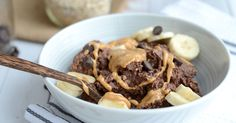 Delicious, high protein, thick and creamy, brownie batter overnight protein oats. 1 minute of prep and you can wake up to dessert for breakfast!