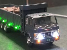 トミーテックのトラックコレクション第10弾より 日野スーパードルフィン産業廃棄物収集運搬車のLED加工商品となります。