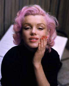 marilyn pink hair