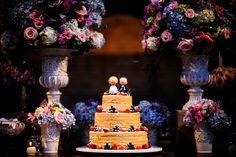 Naked Cake | Bolo de Casamento | Inesquecível Casamento | Wedding Cake | Bolo diferente para casamento | Noivinhos | Arranjo de Flores