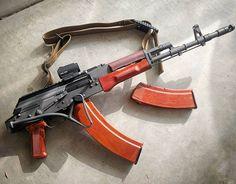 45 & 30 round #bakelite goodness in the #tantal #545x39 #545 #ak #akporn #ak74 #kalashnikov #kalashlife #kalask #kalashnilyfe #gunlife #gunlifestyle #gun #guns #gunporn