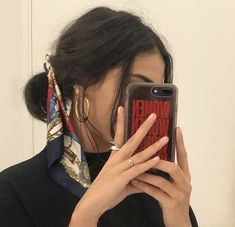 mirror selfie hair and beauty scarf accessories Scarf Hairstyles, Cute Hairstyles, Hairstyles 2018, African Hairstyles, Grunge Hair, Mode Outfits, Mode Inspiration, Inspiration Quotes, Hair Inspo