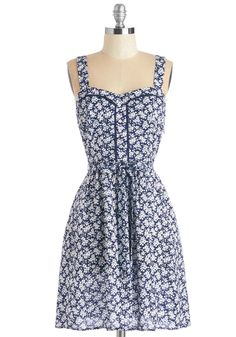 Lead the Pack Dress in Floral | Mod Retro Vintage Dresses | ModCloth.com