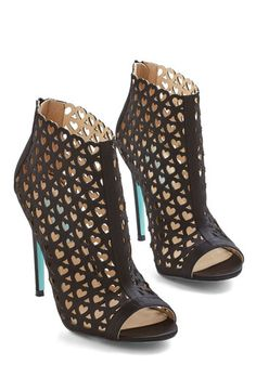 Betsey Johnson Heart to Trot Heel. Show youre rarin for any and every social engagement each time you secure the back zippers of these black Betsey Johnson stilettos on your heels! #gold #prom #modcloth