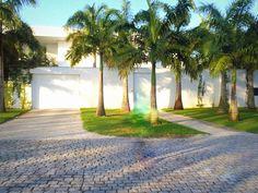 ai que chic: A mansão da Xuxa na Barra da Tijuca