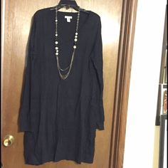 Black Old Navy v-neck black Sweater dress XL Old Navy black v-neck sweater dress. Size XL. Excellent condition. Wore once. Looks great with tights and boots! No piling, holes or tears. Old Navy Sweaters V-Necks