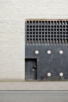 Peter Zumthor #architecture #carpinterias #puertas