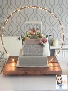 Wedding cake display is part of Wedding cake table decorations - Decoration Buffet, Wedding Cake Table Decorations, Dinner Table Centerpieces, Wedding Cake Display, Birthday Centerpieces, Birthday Party Decorations, Wedding Centerpieces, Wedding Table, Diy Wedding