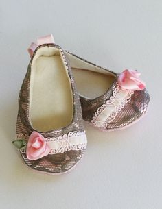 lace baby shoes ♥