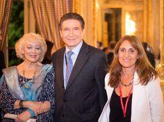 El embajador de Francia, M. Pierre Henri Guignard, recibió en la embajada, a las autoridades de La Alianza Francesa de Campana.