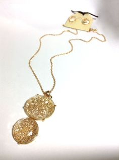 Gold Faceted Filigree Pendant Necklace and Earring Set via aladyloves.com