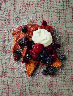 Recipe for French toast with berries and mascarpone - sweet, creamy and delicious
