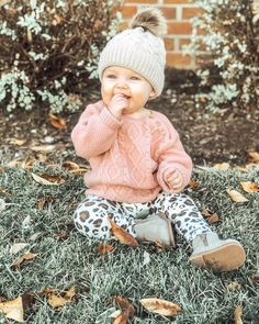 Baby Girl Fall Outfits, Baby Girl Fashion, Baby Girl Fall Clothes, Cute Kids, Cute Babies, Baby Kids, Baby Girl Beanies, Baby Girl Sweaters, Fall Baby
