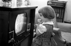 Television! (1951)  And the children *still* stand that close...  :o)