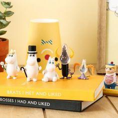 Moomin mascot Figures 2 (Random) -Country or origin : china  material: pvc size: 35~60mm randomly shipped qty:1