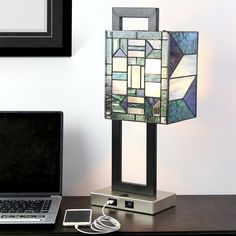 """20.25""""H Daxton USB Stained Glass Table Lamp"""
