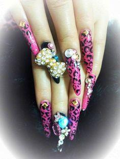 Gyaru Nails