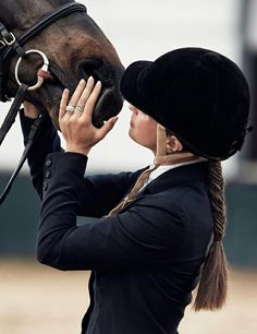 L amour entre un cheval a sa cavalière♡♥♡♥