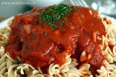 Halfway Homemade Spaghetti Sauce - http://akadesign.ca/halfway-homemade-spaghetti-sauce/