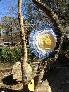 Love this tree weaving idea! Kendrick Kreations: … A Place for All Things Fiber Love this tree weaving idea! Kendrick Kreations: … A Place for All Things Fiber Weaving Projects, Weaving Art, Loom Weaving, Tapestry Weaving, Art Projects, Land Art, Guerilla Knitting, Circular Weaving, Yarn Bombing