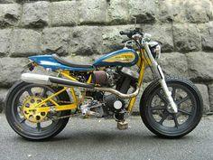 street tracker motorcycle -