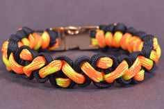 "How to Make the ""Navajo Pattern"" Paracord Survival Bracelet - BoredParac..."