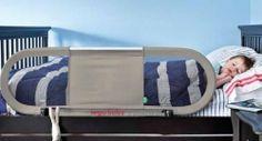 Barrera de cama Side Babyhome. Largo de la barrera de cama 150 cm y altura de 50 cm. Abatible en CAMA NIDO con altura de madera hasta 7 cm por encima del somier. Color beige y opción de varios colores. Tejido lavable de malla que permite a los padres poder ver al niño mientras duerme sin acercarse