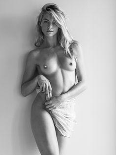 Hot kyra sedgwick nude