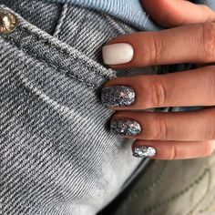 Best Nail Polish Colors of 2020 for a Trendy Manicure Love Nails, Pretty Nails, Fun Nails, City Nails, Nagel Gel, Perfect Nails, Nail Polish Colors, Halloween Nails, Nail Manicure