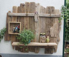 Wandregal mit Schlüsselkasten aus Treibholz