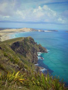Aussicht auf die umliegenden Buchten am Cape Reinga