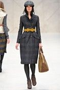 Burberry Prorsum Fall 2012 Ready-to-Wear Collection - Vogue Burberry Prorsum, Burberry Coat, Haute Couture Style, London Fashion Weeks, High Fashion, Fashion Show, Womens Fashion, Fashion Design, Fashion Trends