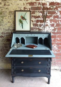 Painted Vintage Oak Bureau www.sallywhitedes… Painted Vintage Oak Bureau www. Chalk Paint Furniture, Diy Furniture Projects, Recycled Furniture, Furniture Makeover, Writing Bureau, Furniture Restoration, Furniture Inspiration, Shabby Chic Furniture, Home Decor Bedroom