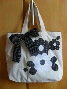 Purse Patterns, Sewing Patterns, Denim Handbags, Jute Bags, Patchwork Bags, Denim Bag, Fabric Bags, Kids Bags, Handmade Bags