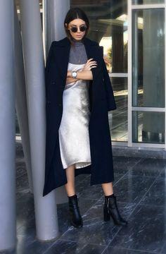 Minimalist Fashion Outfits to Copy This Season | StyleCaster