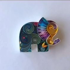 Quilling Videos, Paper Quilling For Beginners, Quilling Work, Quilling Paper Craft, Quilling Techniques, Quilling Flowers, Paper Crafts, Peacock Quilling, Quilling Butterfly