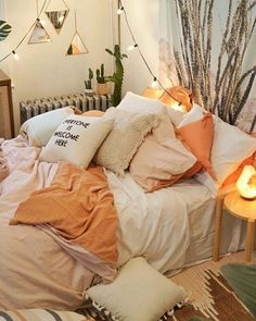 Bedding, layering, color scheme