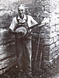 appalachian-appreciation:  Charles Kinney (top), fiddle maker and player, andNoah Kinney (bottom), hub cap banjo player and maker. These brothers were folk artists and musicians who spent their lives creating and reveling in Appalachian culture in Kentucky. They died six months apart in 1991.