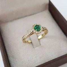 """d49da1c24f2fa Reisman Alianças - Desde 1967 on Instagram  """"Anel Amore Mio em Esmeralda e  diamantes 😍 Para valores clique na imagem! Pode ser usado como anel de  noivado ..."""